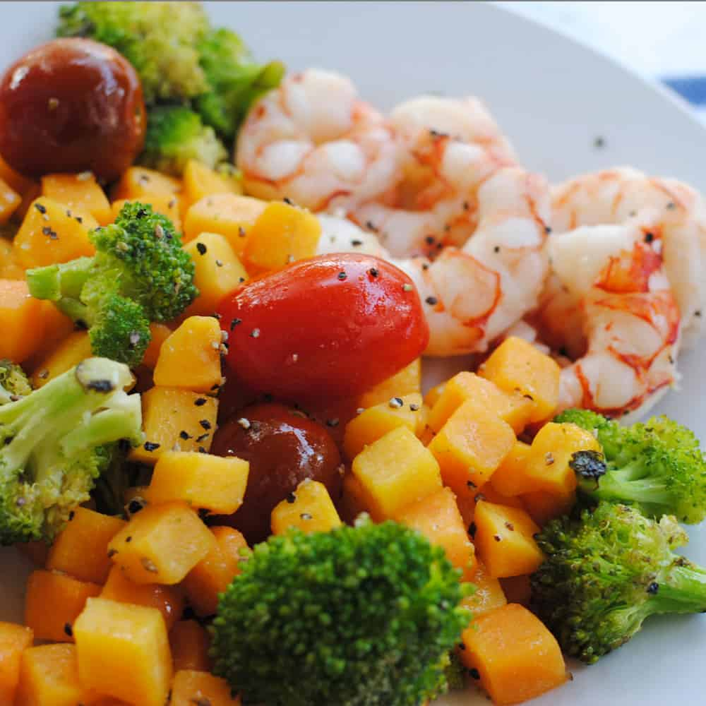 San Antonio lifestyle blogger, Cris Stone, shares her tried and true recipe for roasted shrimp and vegetables - the perfect fall sheet pan meal featuring coconut oil. Find out more!